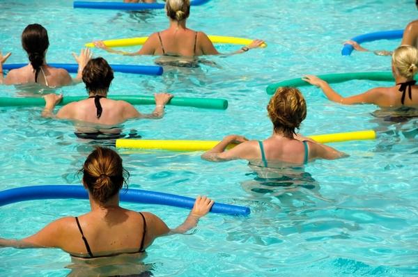 Упражнения в бассейне для похудения: комплексы, программы тренировок