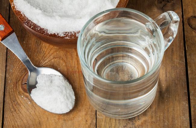 Чистка организма соленой водой в домашних