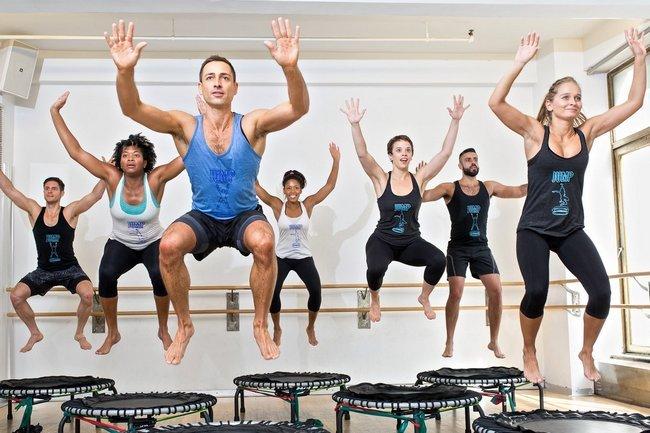 Фитнесджампинг как прыжки на батуте помогут похудеть