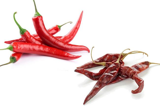 Красный перец в свежем и высушенном виде